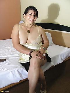 Mature orgasm porn galleries