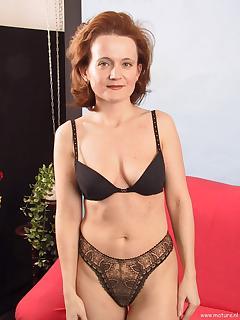 Mature lingerie porn